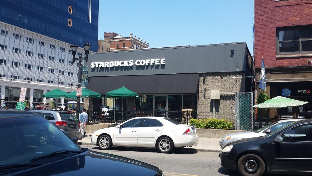 In 2012 acest Starbucks arata vai de capul lui, acum arata mult mai imbietor si mai prosper. :)