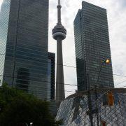 Turnul CN Tower, vedere de pe King Street West